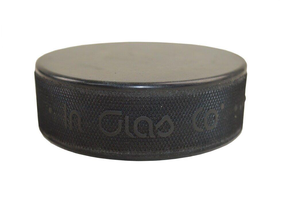 Hokejový puk černý